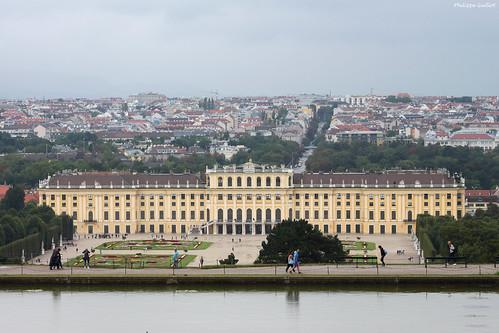 Schönbrunn : Vienne et le château vus du parc