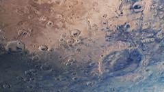Ablagerungen von dunklem Staub und Sand im Krater Huygens