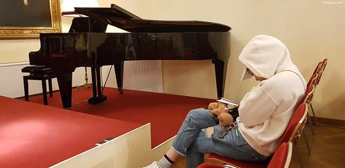 Jeune passionnée de musique classique