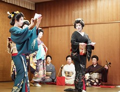 (Representative image) This is probably what a geisha dance performance would look like