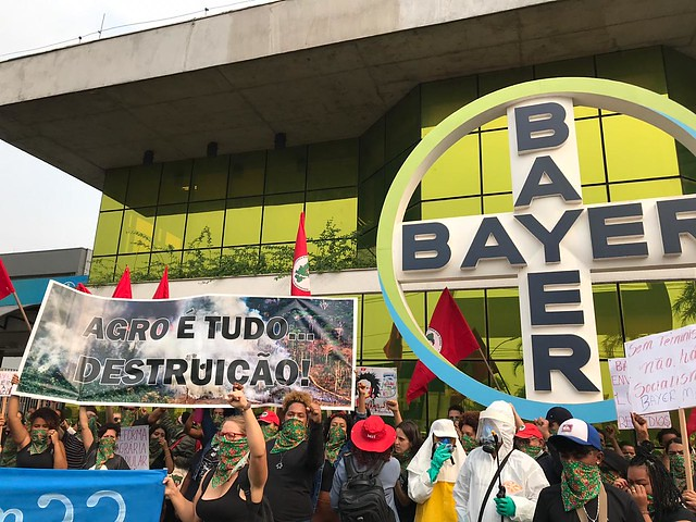 MST Women's protest outside German transnational company's headquarters in São Paulo, Brazil - Créditos: Brasil de Fato