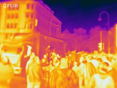 Wärmebildaufnahme der startenden Klimademonstration in Köln