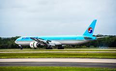 Korean Air Boeing 777-300(ER) HL8347