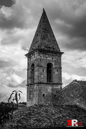 Calascio (Aq), Santa Maria delle Grazie, campanile.