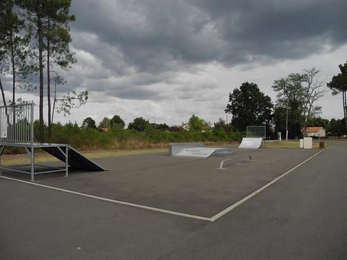 Skatepark landais /  Skatepark in den Landes / Скейтпарк в Ландах