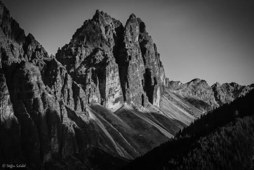 Jagged Peaks / Schroffe Berge