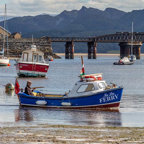 Beach, Boats and Barmouth bridge 💙