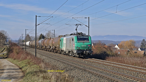 BB 37060 Train 489058 Sibelin-Mulhouse Nord à Retzwiller