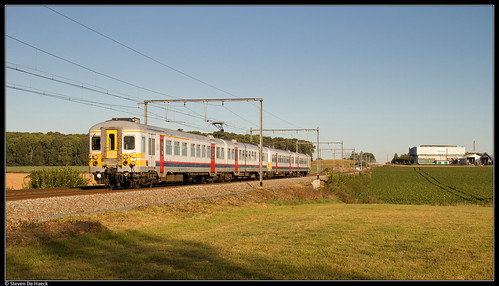 NMBS 659 + 739 @ Familleureux