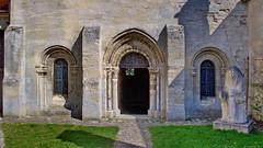 Portail de la salle capitulaire (1150 - 1250).
