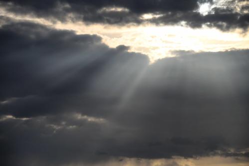 Et le ciel s'entrouvrit
