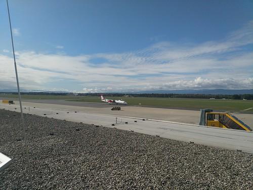 Austrian (OS202 - Dash 8-400) am Flughafen Graz