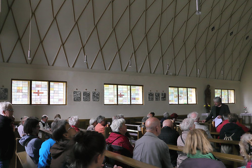 Klötze, Kirche St. Joseph, Kreuzwegstationen, Seitenfenster, Zollinger-Dach