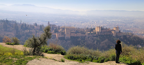 Magnificent view over the Alhambra palace