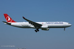 TC-LOC_A333_Turkish Airlines