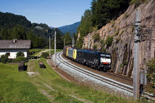 MRCE Dispolok ES 64 F4 - 021 + Dispolok ES 64 F4 - 014 + Güterzug/goederentrein/freight train   - Gries