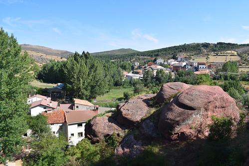 Vista del caserío (Checa)