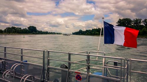 Unter französischer Flagge (Rheinfähre Rastatt-Plittersdorf – Seltz)