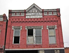 Elkhorn and Silver Dollar Saloons, Pocahontas