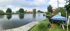 Kanäle und Grachten in der Nähe des großen Meeres in  Emden, Deutschland