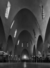 jacques droz, architect: église sainte-jeanne-d'arc, 1924-34. interior