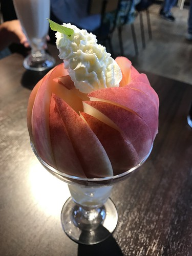 Peach Jewel parfait @Cafe La Casa Della Pesca, Japan