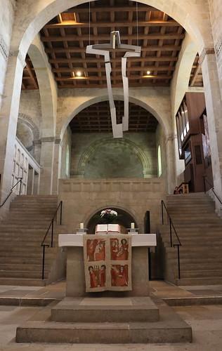 Altar und Altarkreuz