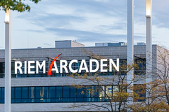 Das Einkaufszentrum Riem Arcaden bei der Messestadt in München