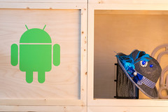 Grünes Android Logo auf Holz gedruckt