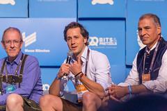 Juroren Fritz Oidtmann von Acton Capital Partners, Robert Lacher von Visionaries Club und Andreas Etten von 10x beim Bits & Pretzels Startup-Wettbewerb