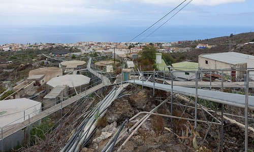 Guia de Isora: a chaotic mass of water pipes