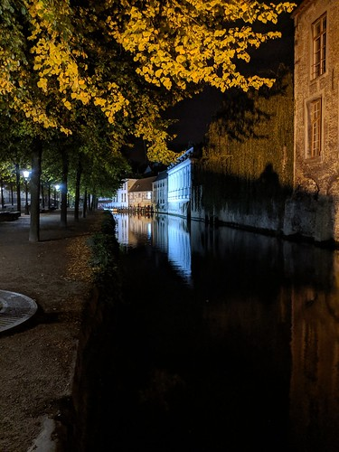 Nighttime canal, Bruges