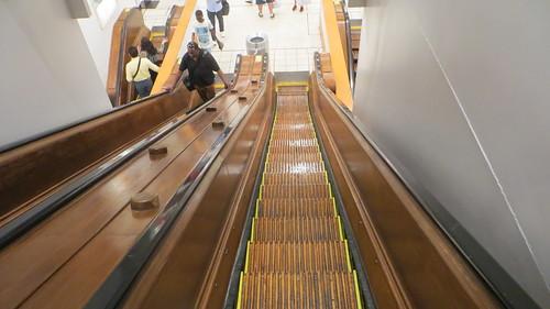 20180803 44 Wooden Excalator @ Macy's New York