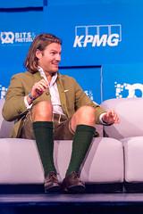 Valentin Stalf in Lederhosen und Tracht auf der Wiesn im Rahmen der Technologie-Konferenz Bits&Pretzels