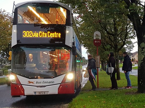 Bus Éireann (Roxborough, Limerick) Wright Gemini 3 Volvo B5TL VWD416 (182-L-6) on Route 302 at Brookville Avenue, Clareview, Limerick on the very autumnal morning of Tuesday, 1st October, 2019.