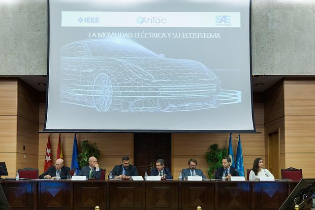 ANFAC_vehiculo_eléctrico-15