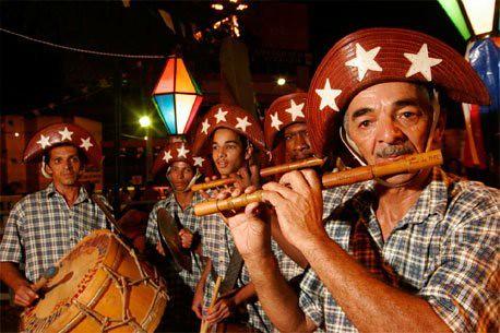 """""""Desde os anos 1990, o Nordeste vem sendo palco de um processo de renovação musical, um estilo que resulta da fusão de vários estilos"""". - Créditos: Reprodução"""