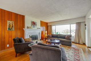 4576 Royal Oak Avenue - thumb
