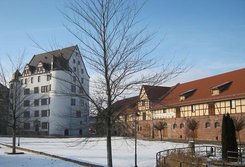 Heringen (Helme): Schloss mit Pferdeställen