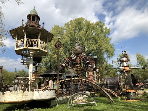 Royal Gazebo and Forevertron, Dr. Evermor's Sculpture Park, Bluffview, Wisconsin