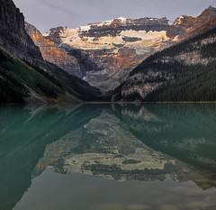 #4976 Lake Louise Morning