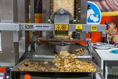 Döner Robot schneidet das Fleisch