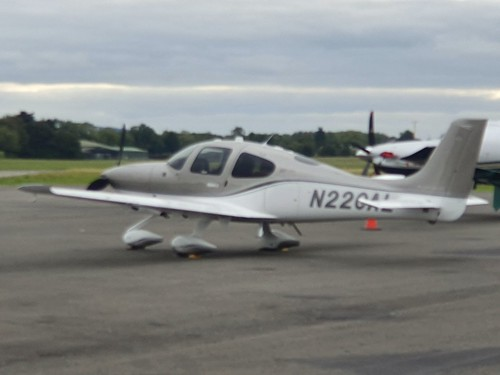 Cirrus Design Corporation SR-22T GTS Platinum N220AL seen at Dublin Weston EIWT