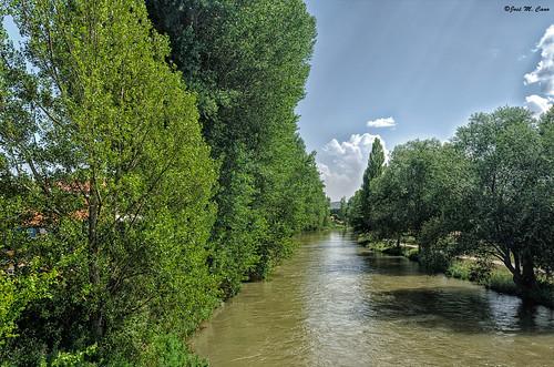 Río Pisuerga en Aguilar de Campoo (Palencia)