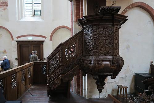Preekstoel in de kerk van Noordbroek