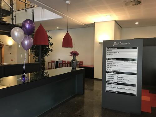 Tafeldecoratie 3ballonnen Intergroup Bouwen en Infra Hendrik Ido Ambacht