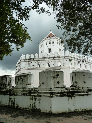 Phra Sumen Fort in Bangkok with Rain Clouds Threatening