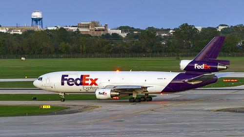 Federal Express (FedEx) McDonnell Douglas MD-10-10F N359FE