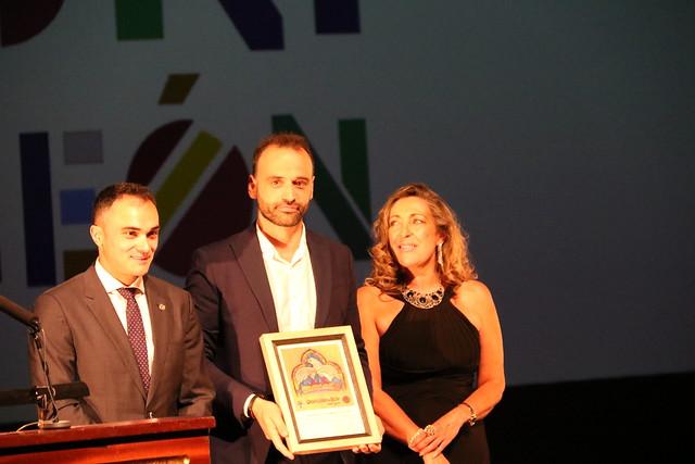 El Presidente de la Asociación de Periodistas de León recoge su reconocimiento