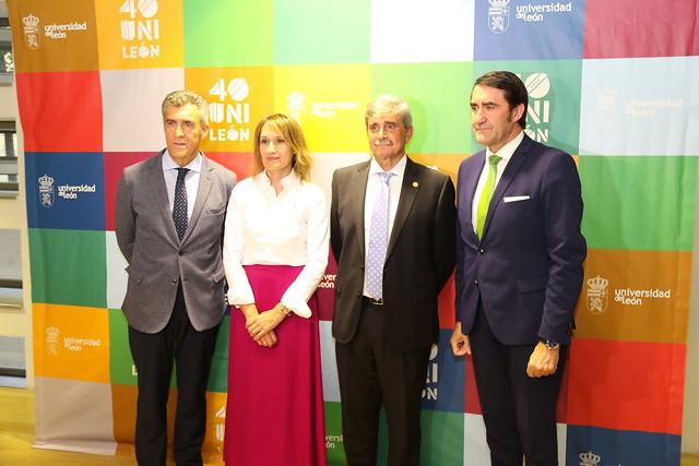 Presidente del Consejo Social, Consejera de Educación de la Junta de Castilla y León, Excelentísimo Señor Rector Magnífico y Consejero de Fomento y Medio Ambiente